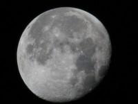 13092317-moon