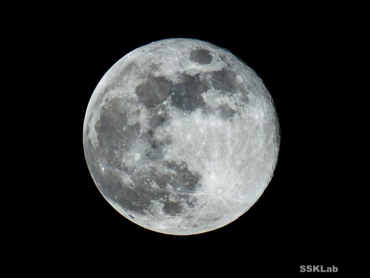 令和、初の満月。
